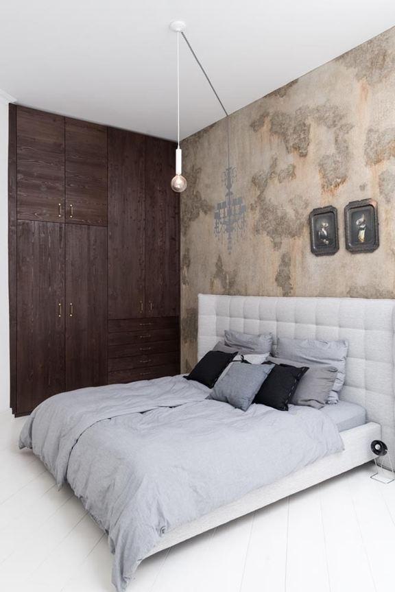 art-nouveau-ap-bedroom-bed-and-chandelier