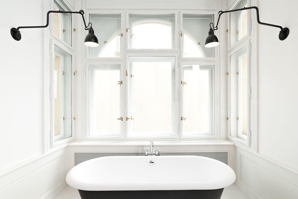 art-nouveau-ap-bedroom-tub2