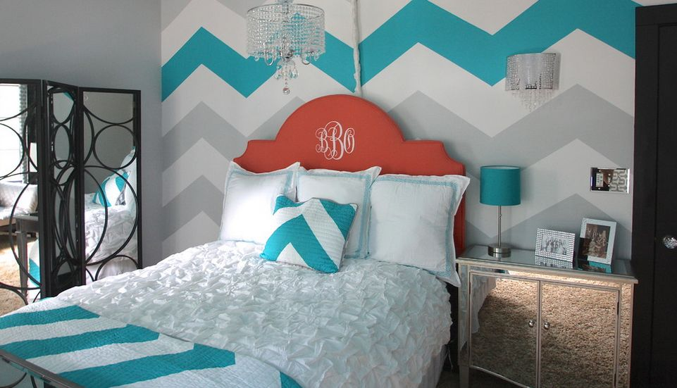 Turquoise Bedroom Accent Wall