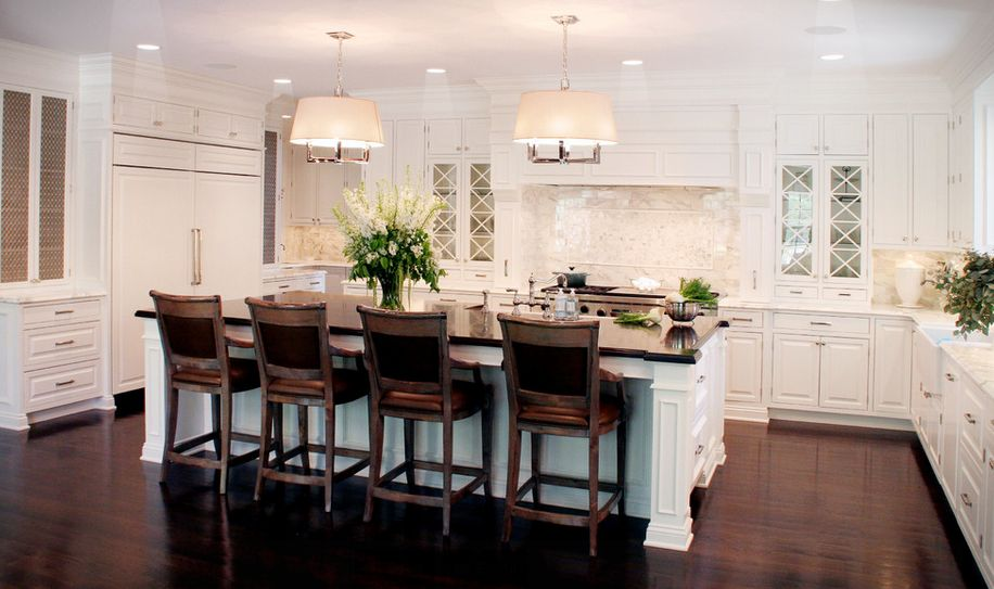 Guide To Choosing The Right Kitchen Counter Stools : classic white kitchen dark wood floor and traditional counter stools from www.homedit.com size 916 x 543 jpeg 73kB