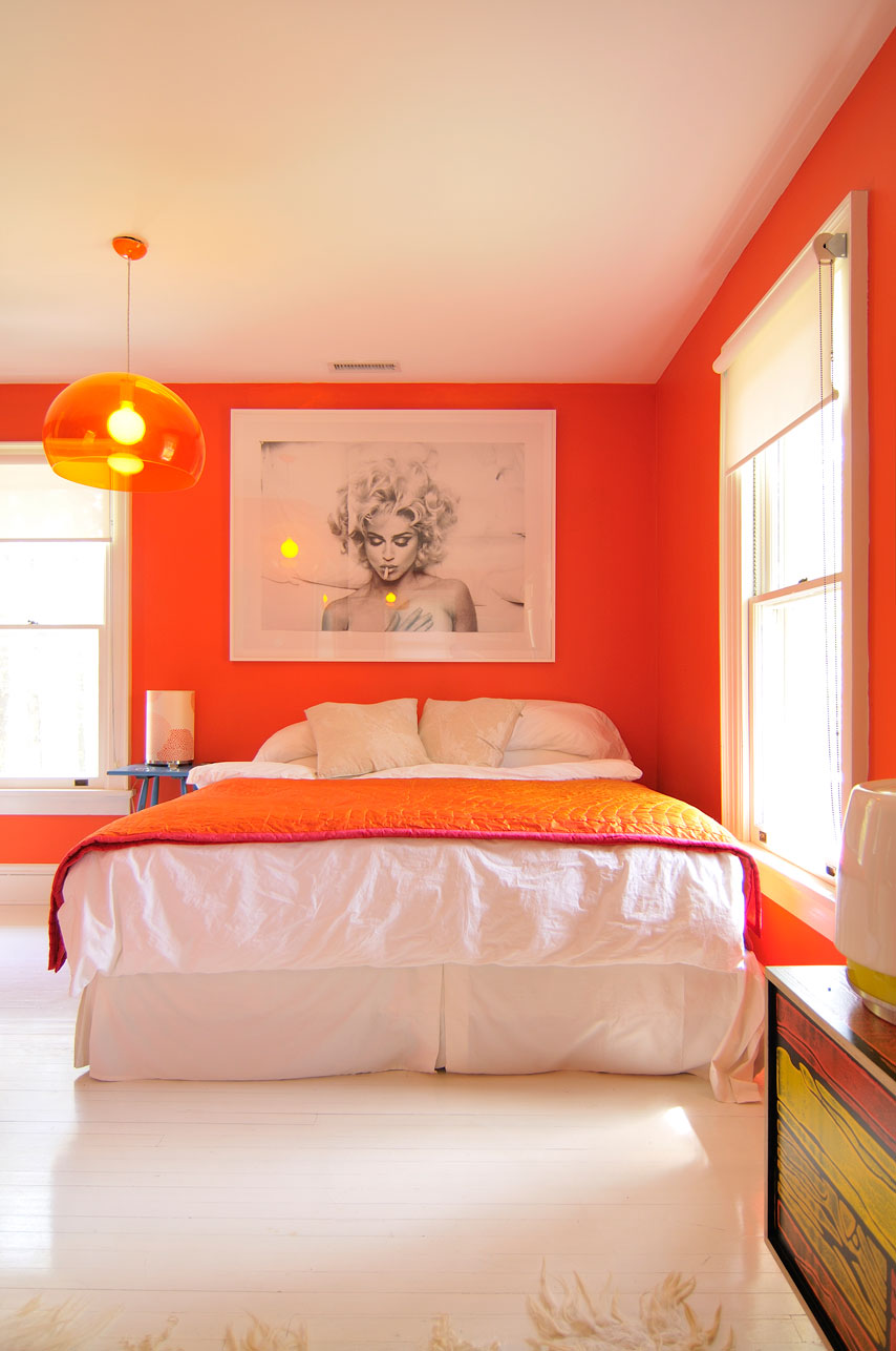 Colors that make orange and compliment its tones for Bedroom inspiration orange