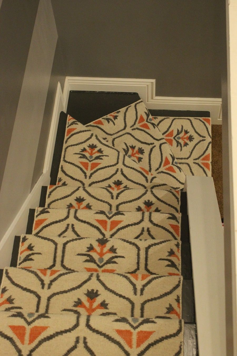Bon Update Your Staircase: How To Remove And Install Carpet On The Stairs
