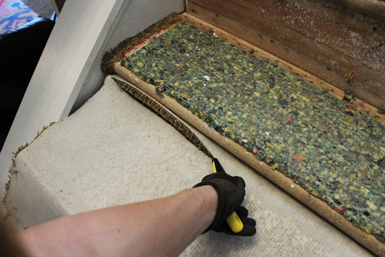 Update Your Staircase How To Remove And Install Carpet On