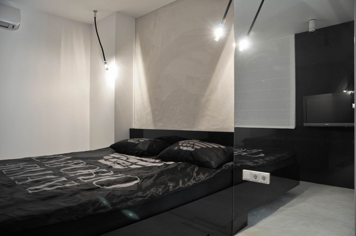 lovely black white modern bedroom | 35 Timeless Black And White Bedrooms That Know How To ...