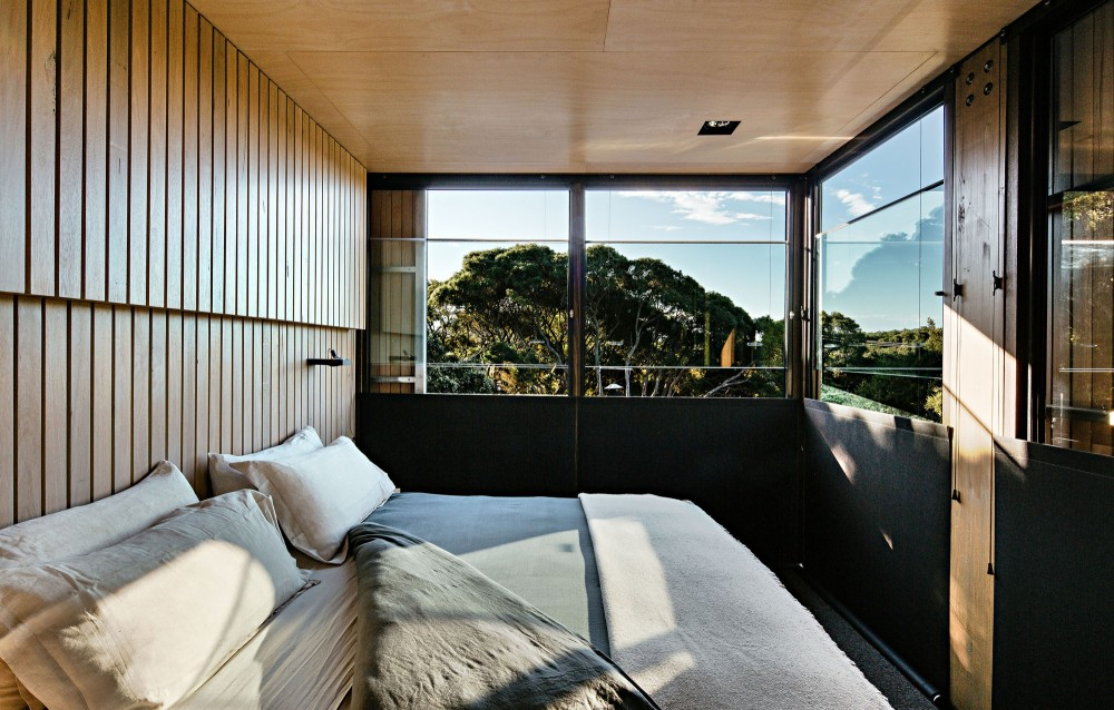 modern-cabin-extension-australia-bedroom