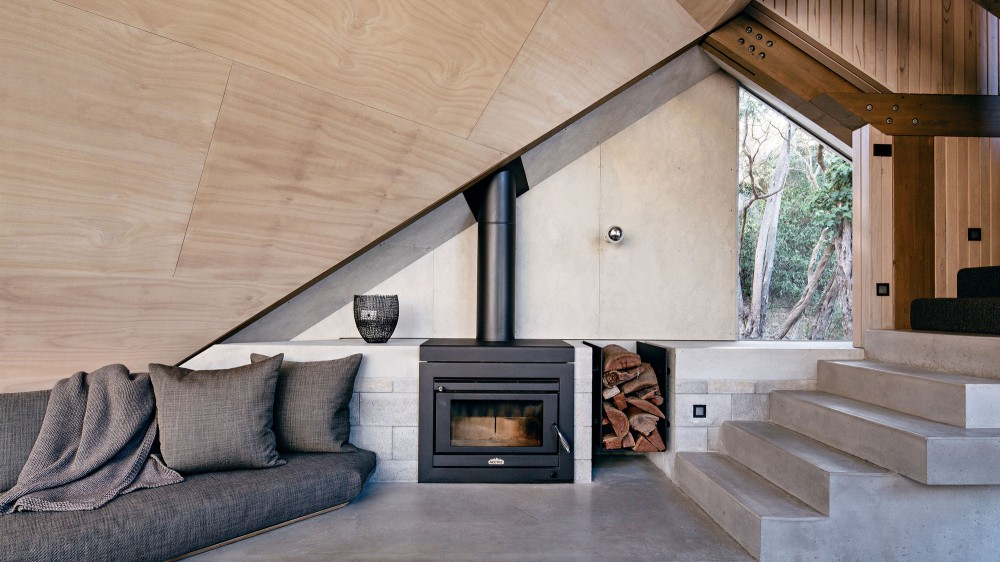 modern-cabin-extension-australia-living-room-fireplace