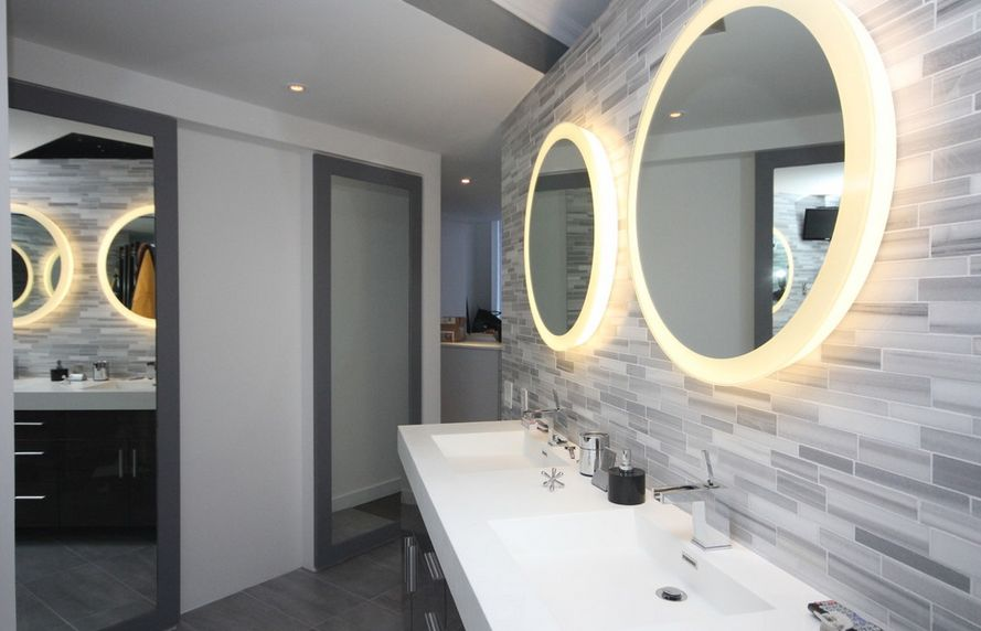 How to pick a modern bathroom mirror with lights for Modern bathroom designs 2016