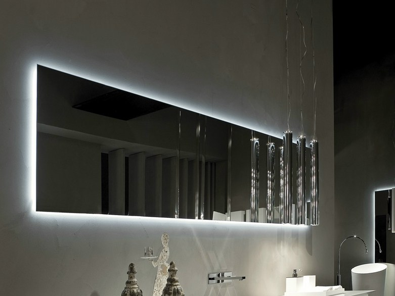 How to pick a modern bathroom mirror with lights for Long miroir mural