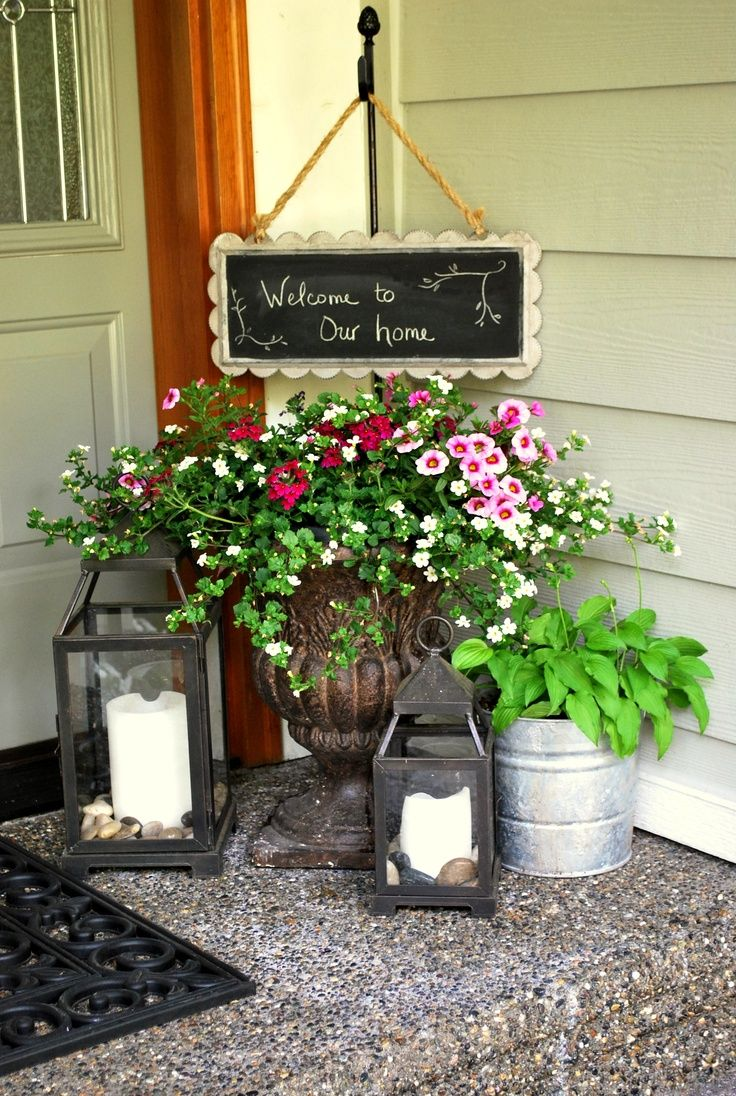 10 tips for bringing spring to your front porch for Spring yard decorations