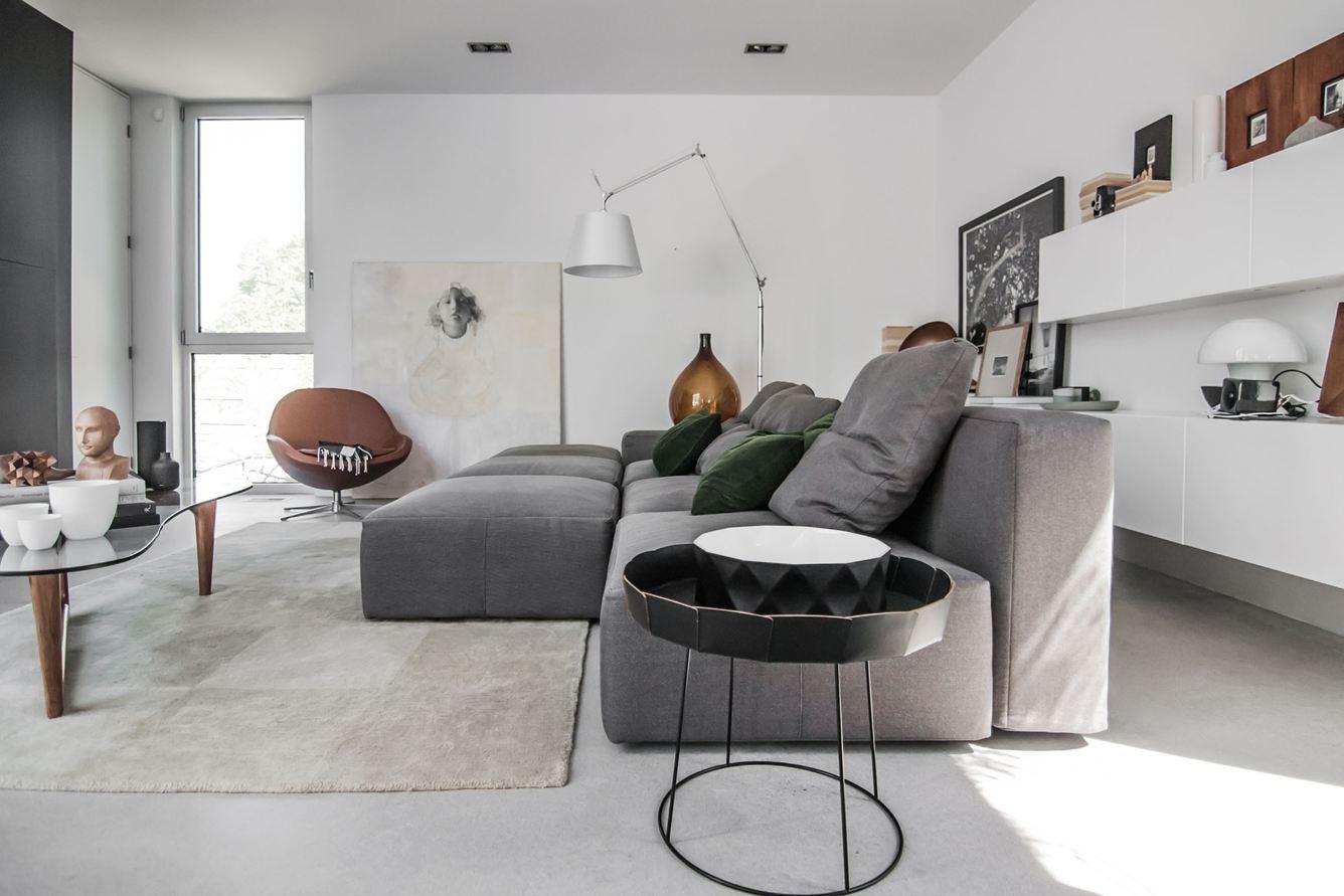 Holy-Cross-living-room2