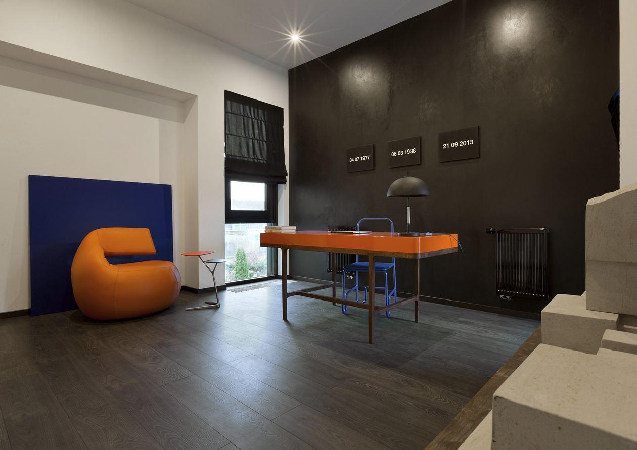 Kiev-residence-orange-accents