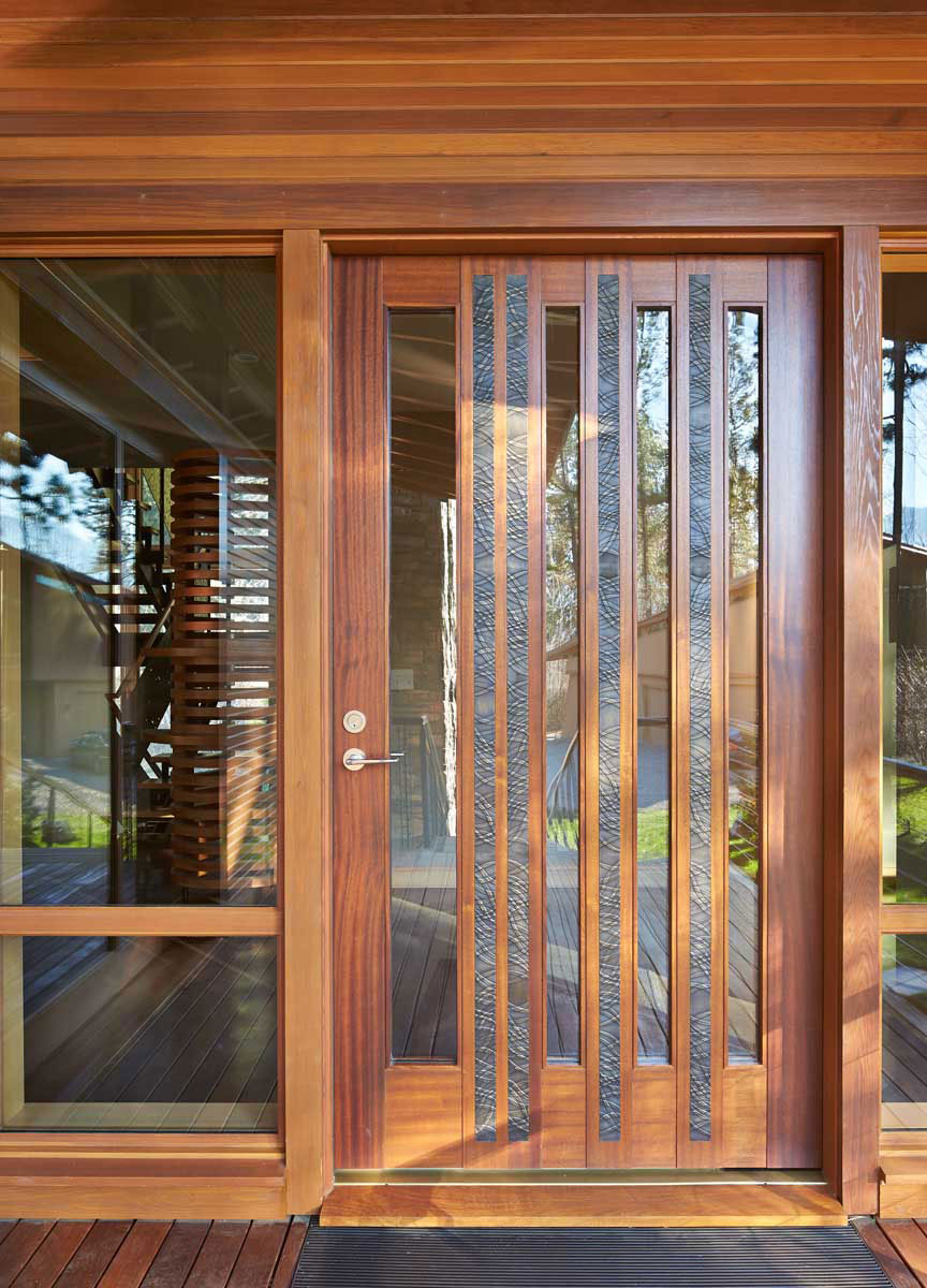 Mazama-House-entry-door