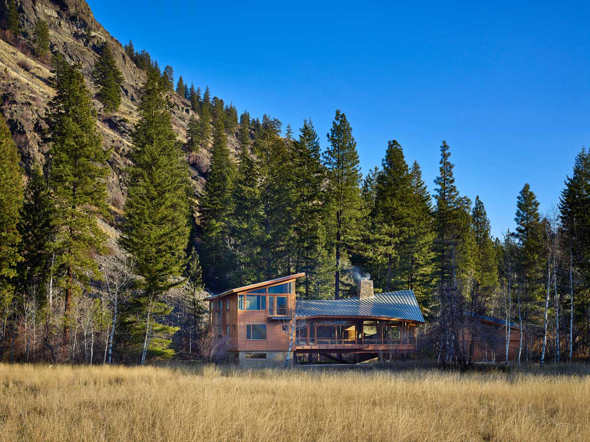 Mazama-House-overview-day