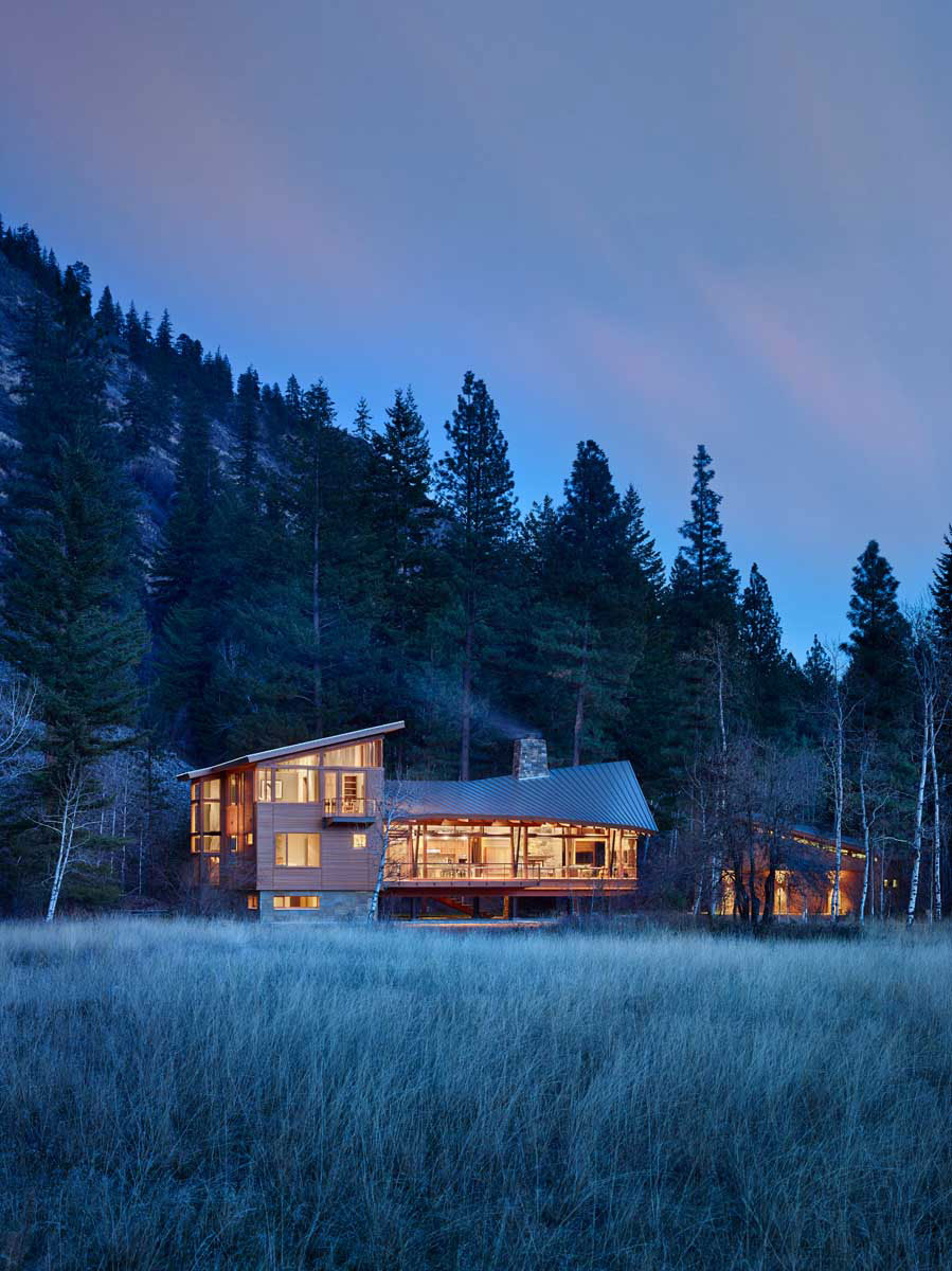 Mazama-House-overview-night