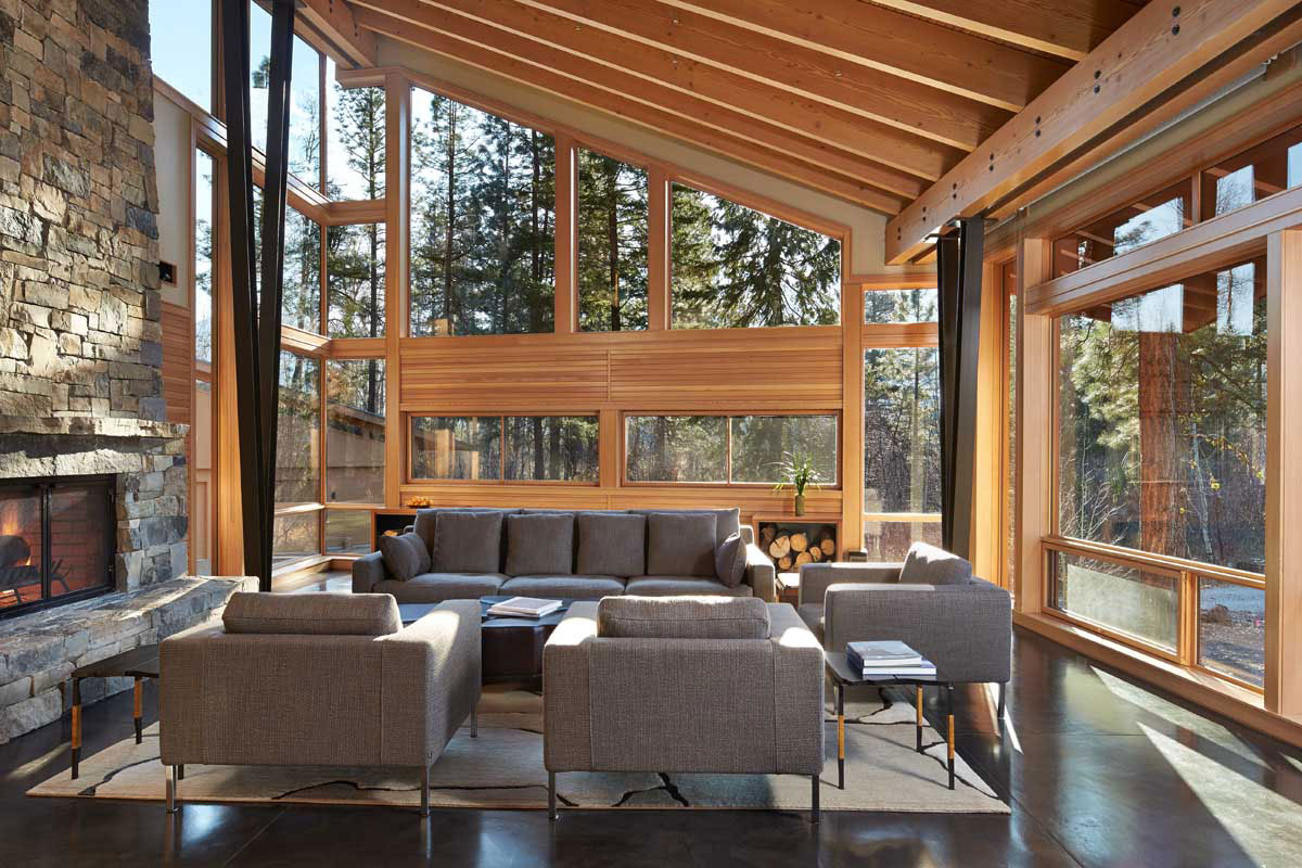 Mazama-House-seating-area