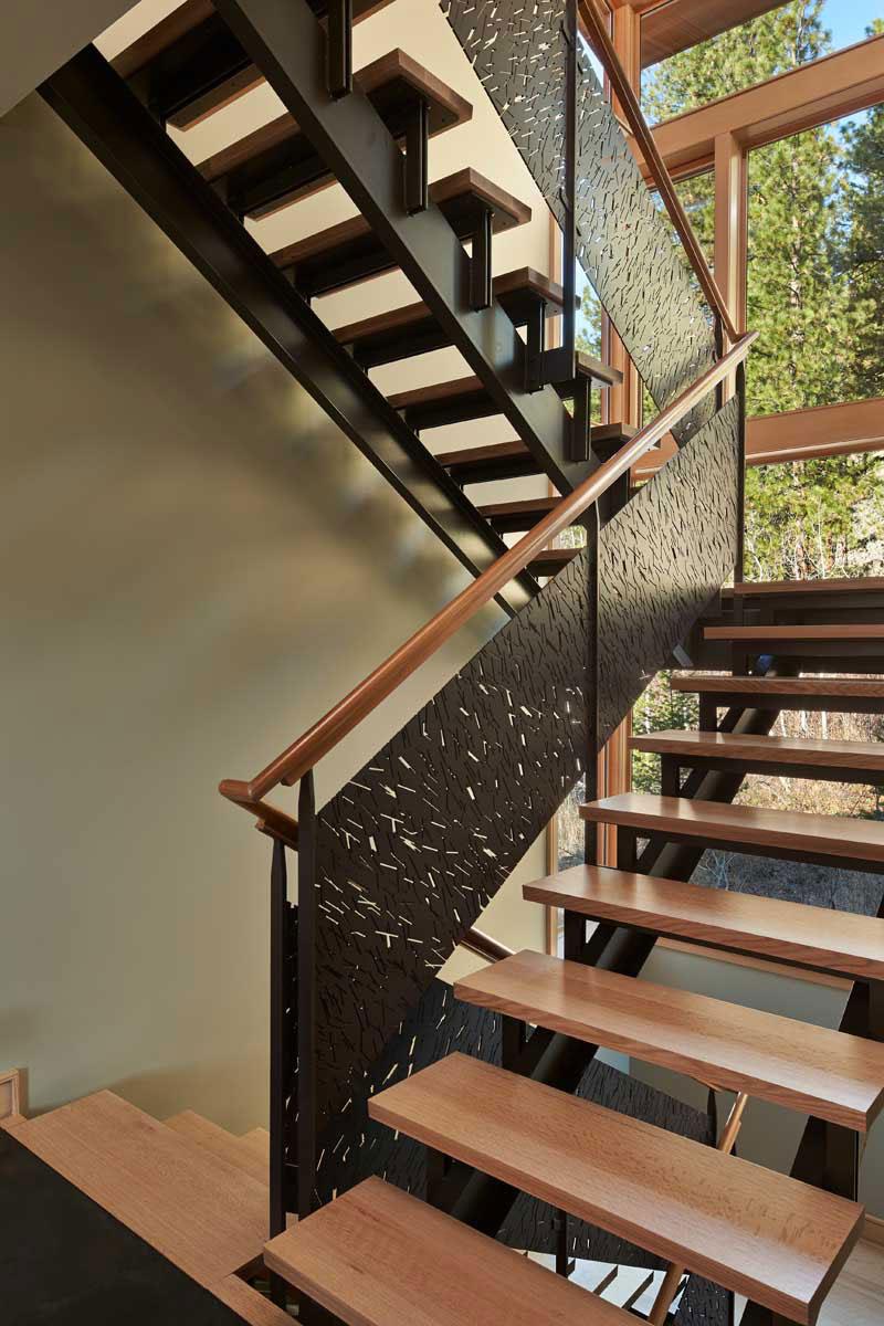 Mazama-House-staircase1