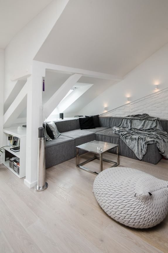 OOOOX-attic-apartment-seating-area