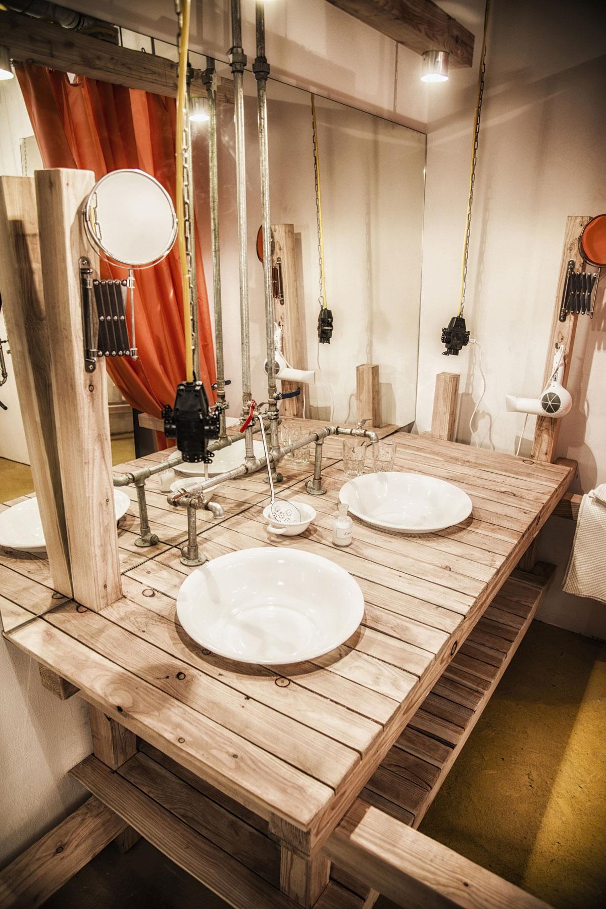 Viennese-Guest-Room-bathroom1