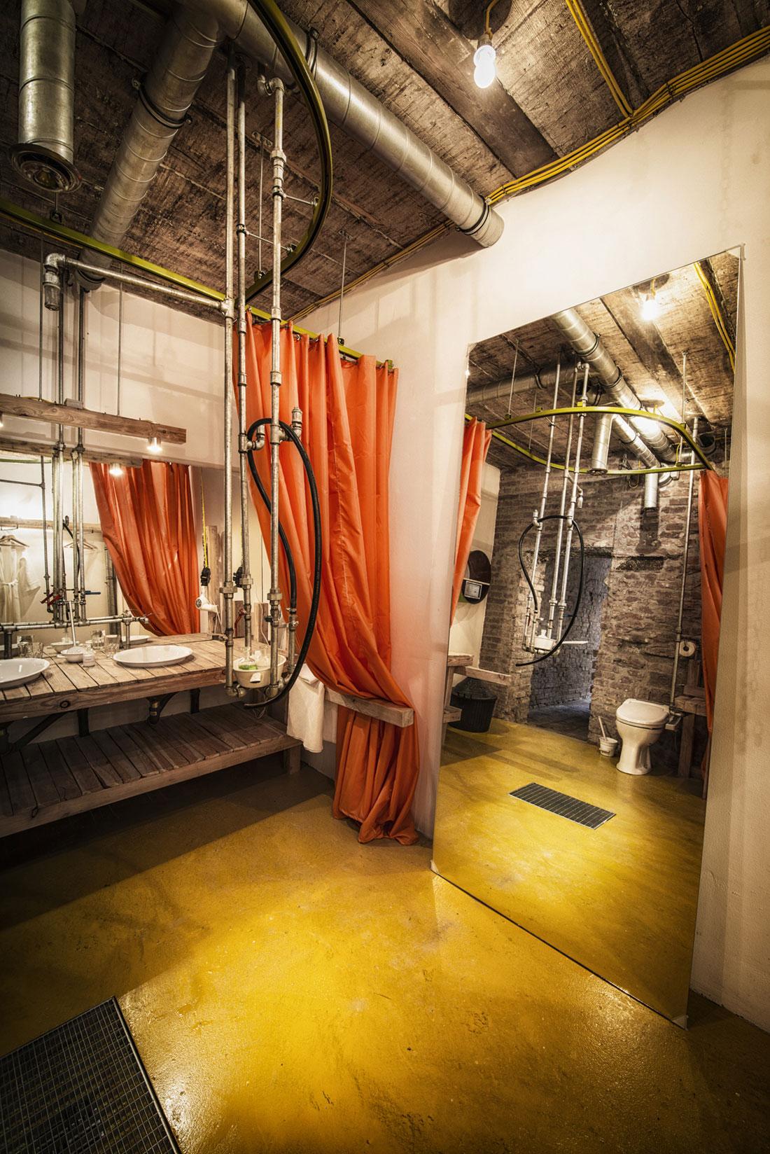 Viennese-Guest-Room-bathroom2