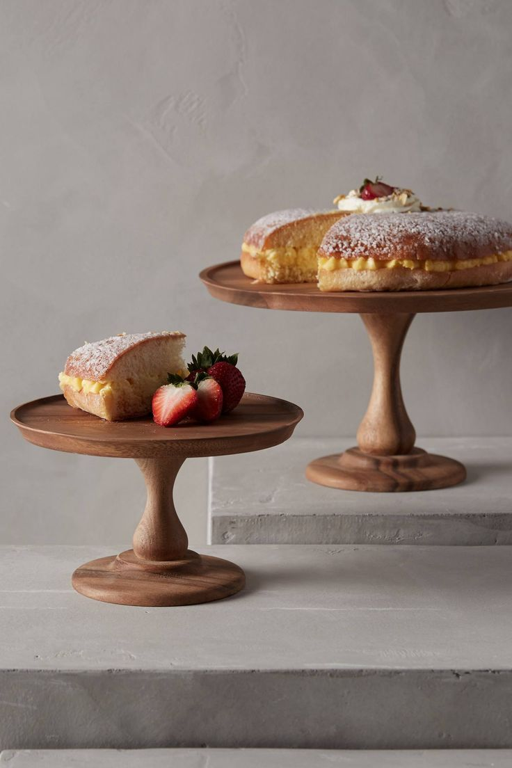 acacia cake stand & 20 Gorgeous Cake Stands to Buy or DIY