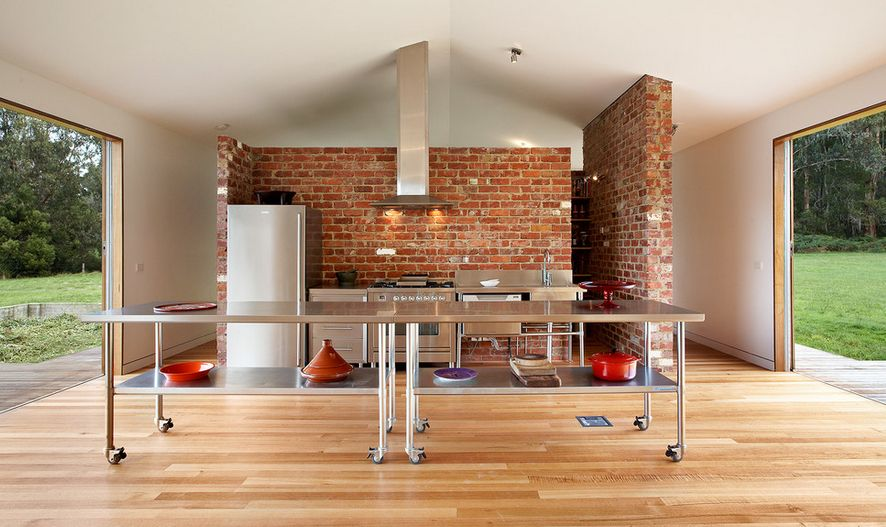 Increased Kitchen Functionality: Stainless Steel Work Tables