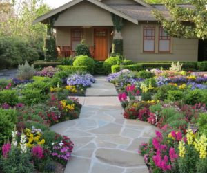 10 Front Yard Landscaping Concept for Your Home