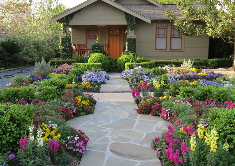 6. Simple Ease. - 10 Front Yard Landscaping Ideas For Your Home
