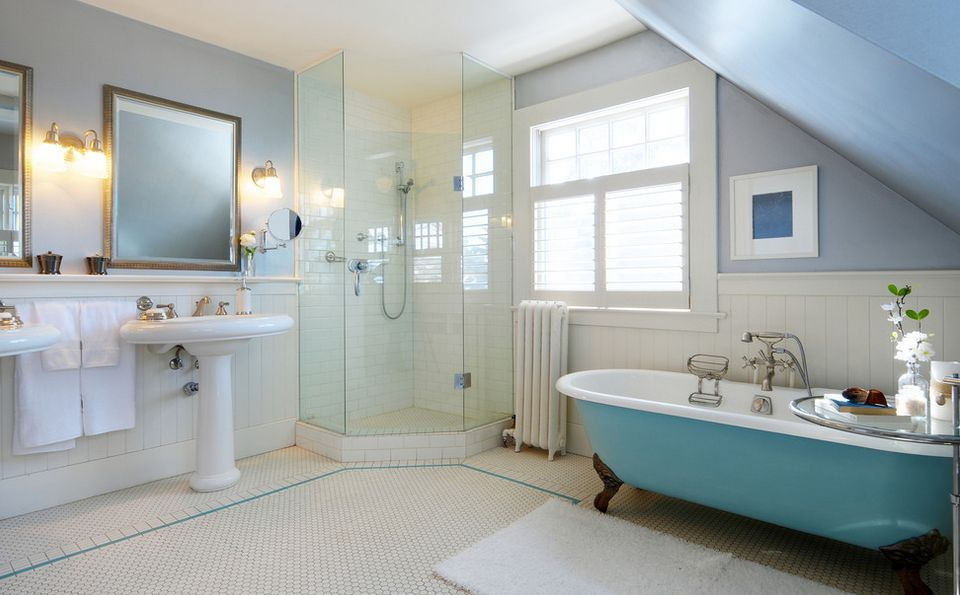Corner Shower Configurations That Make Use Of Dead Spaces