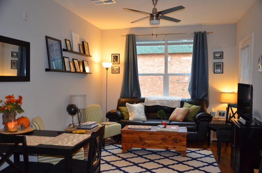 https://cdn.homedit.com/wp-content/uploads/2015/04/coffee-table-storage-small-living-room.jpg
