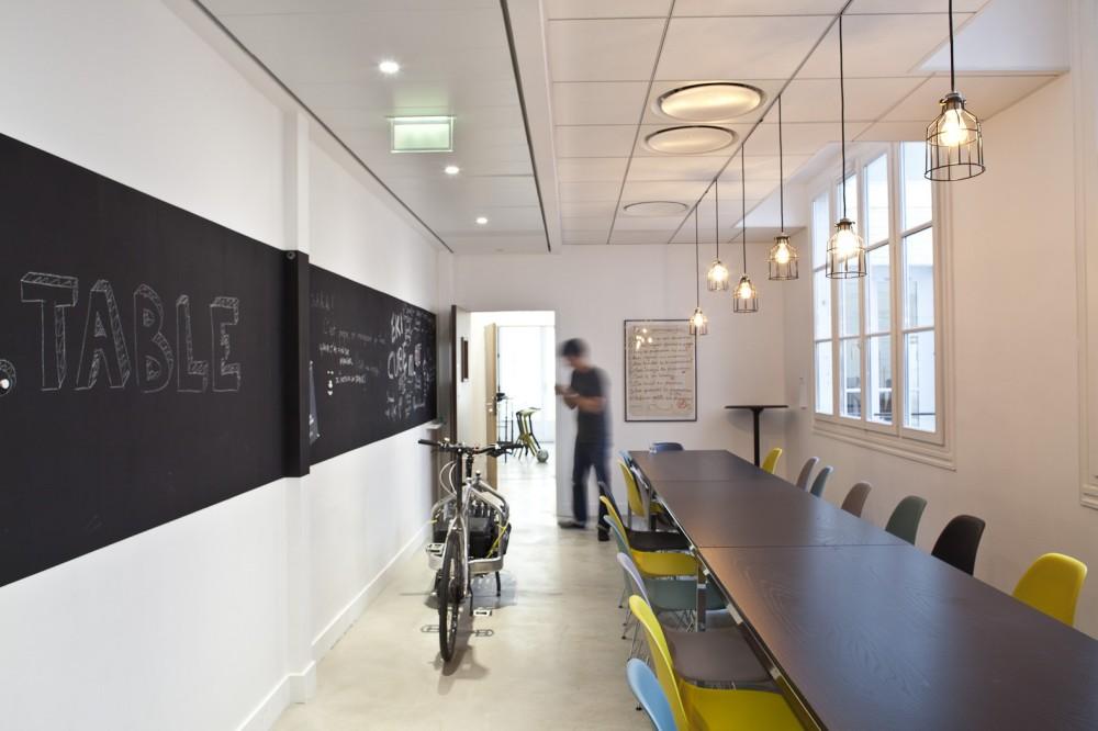 ekimetrics-hq-large-meeting-room