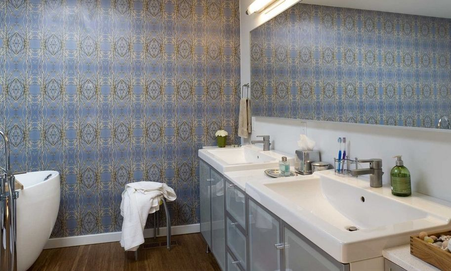 20 Functional & Stylish Bathroom Tile Ideas