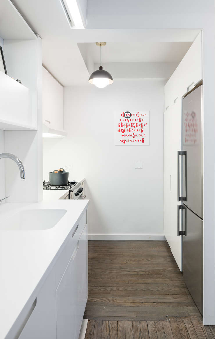micro-apartment-kitchen-fridge