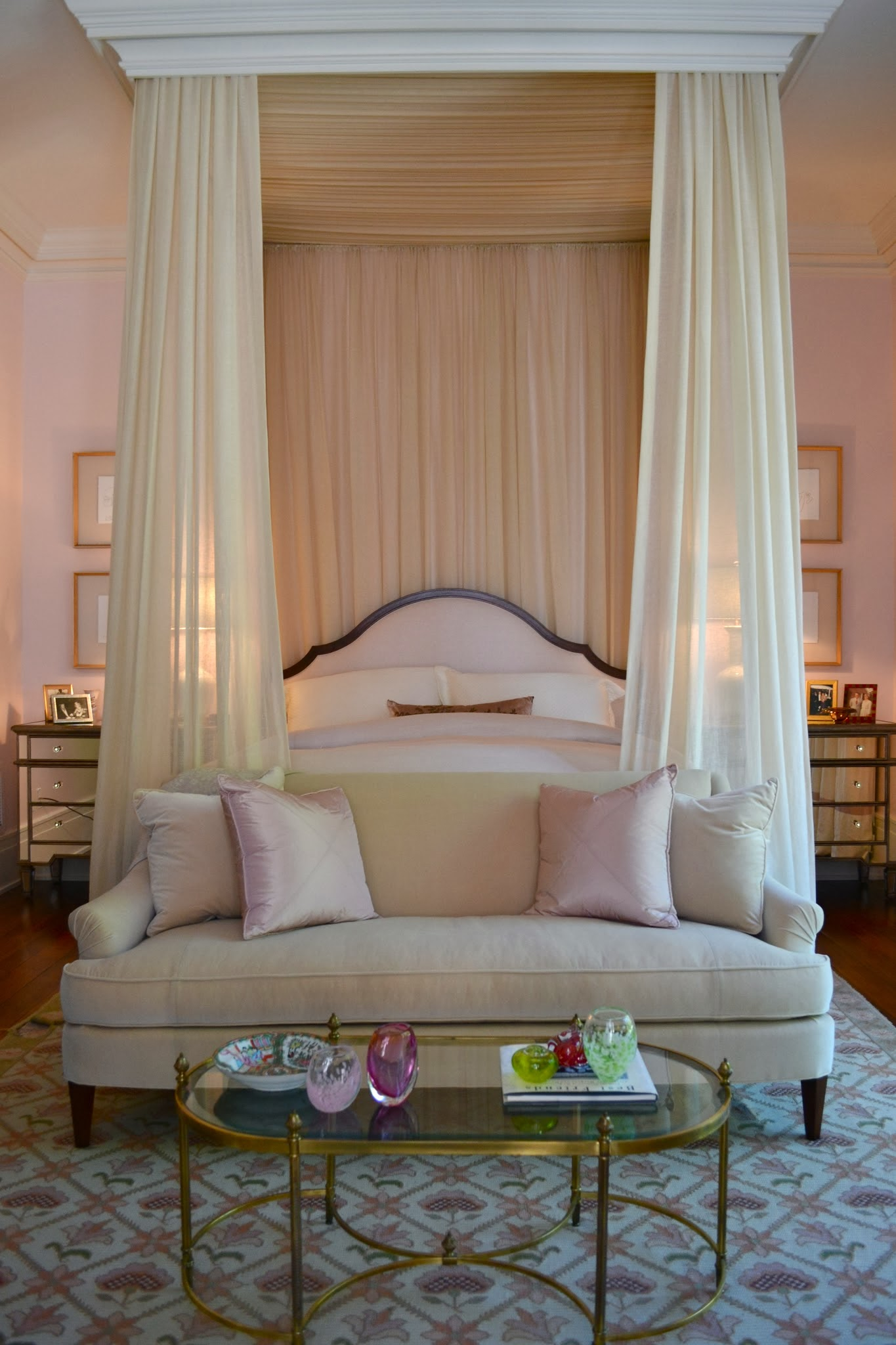 moulding canopy & 15 Canopy Beds That Will Convince You To Get One