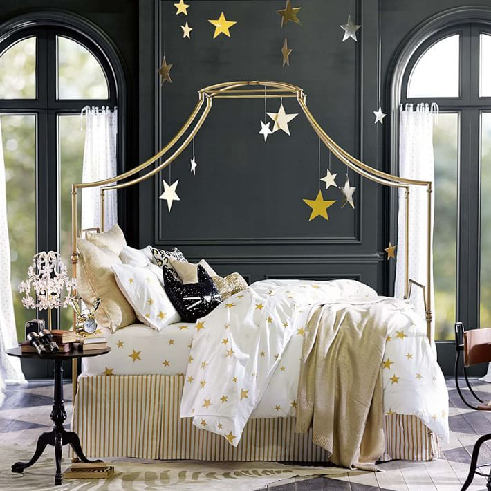 starry canopy & 15 Canopy Beds That Will Convince You To Get One