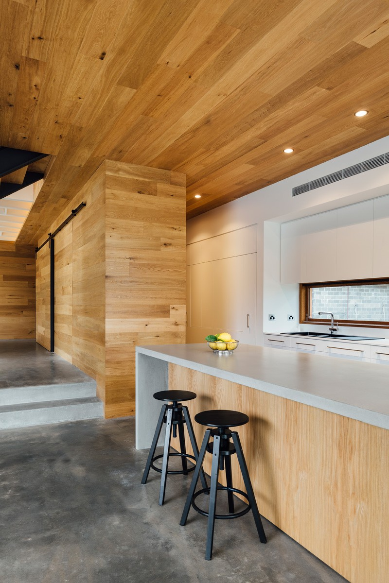 Ballarat-family-home-kitchen-island