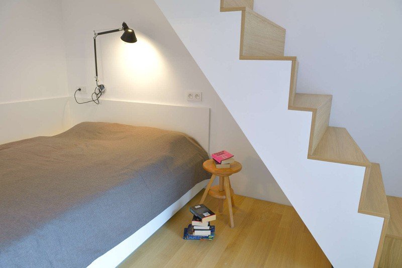 Bratislava-attic-apartment-bedroom-with-staircase2