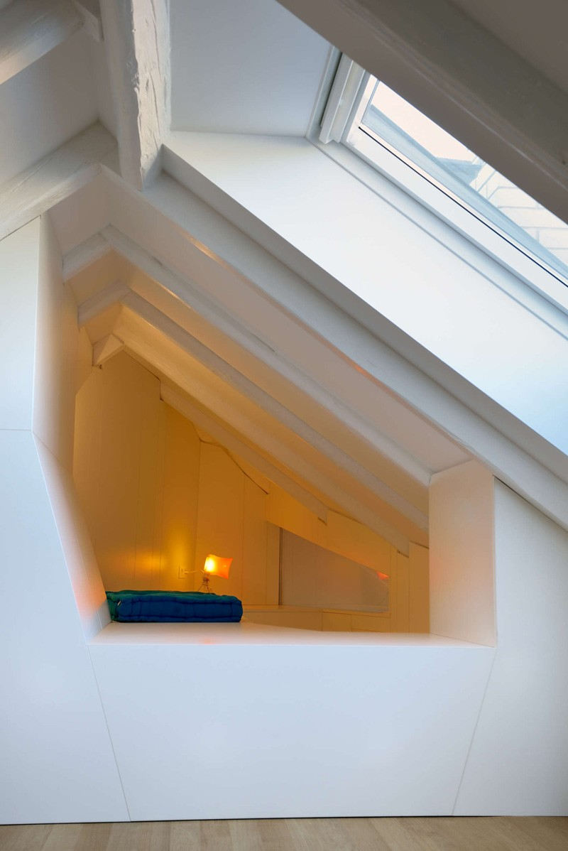 Bratislava-attic-apartment-reading-nook-closeup