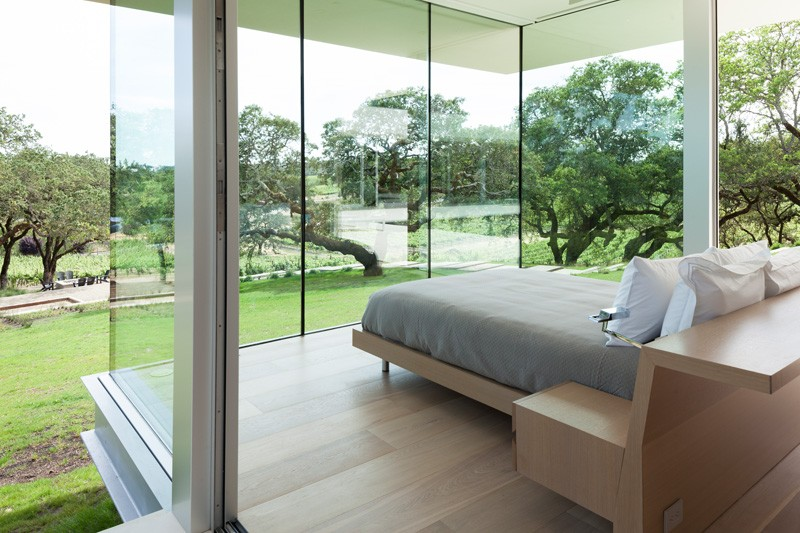 -California-vineyard-house-bedroom2