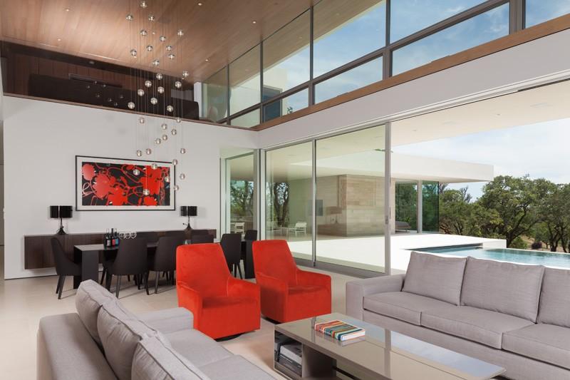 -California-vineyard-house-living-area-chandelier