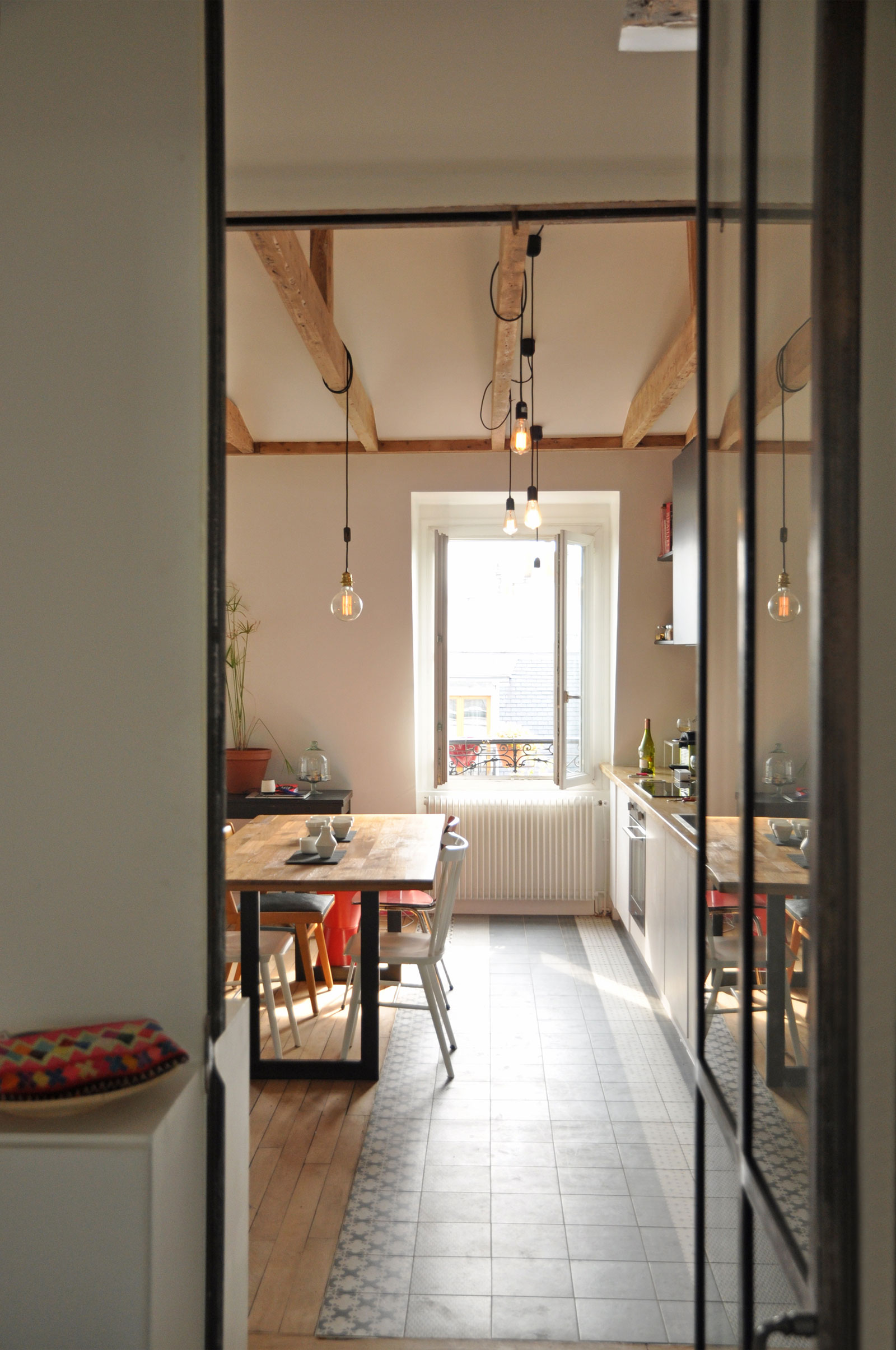 Renovation-of-an-Apartment-in-Paris-dining-kitchen