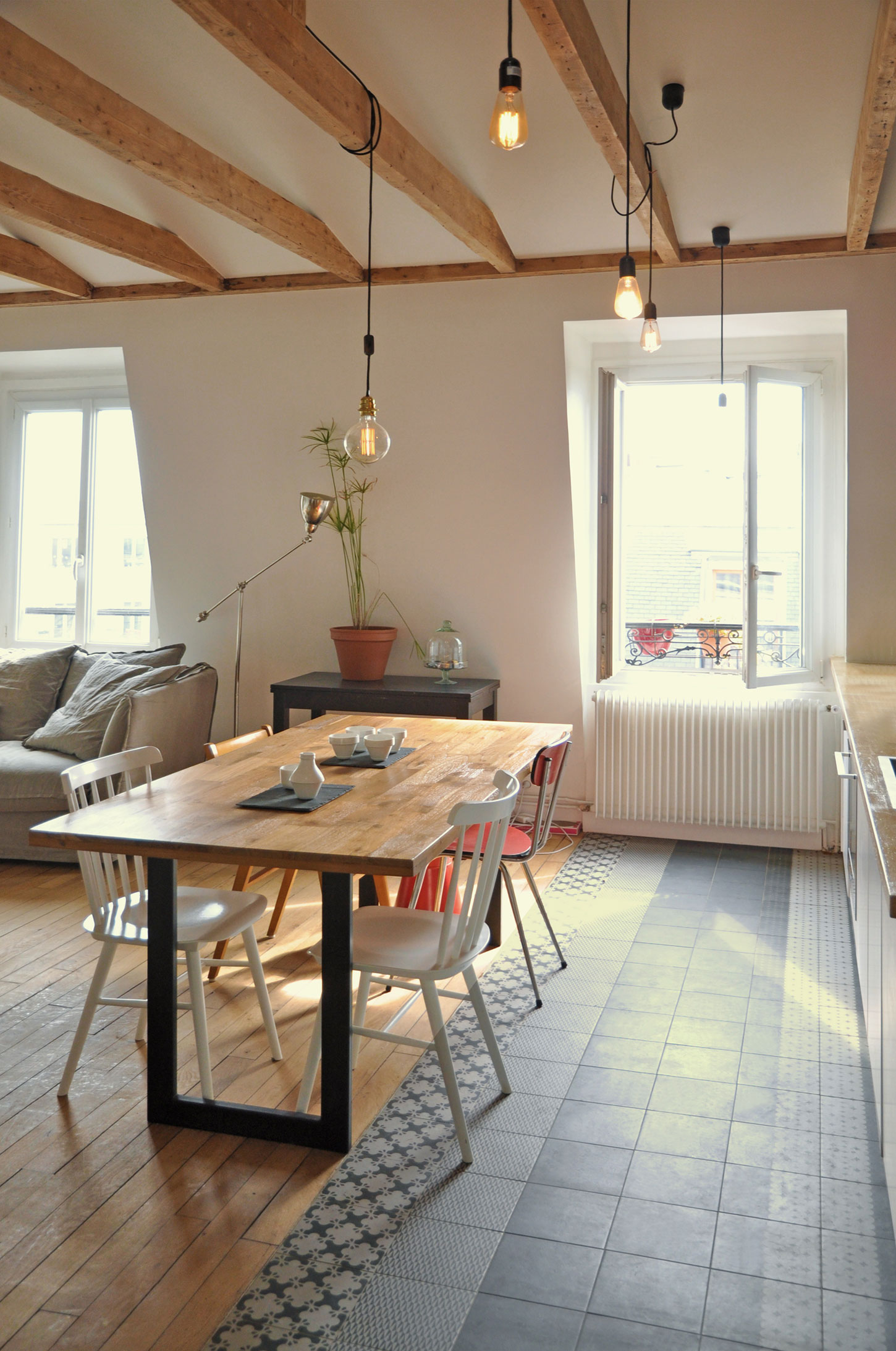 Renovation-of-an-Apartment-in-Paris-dining-table