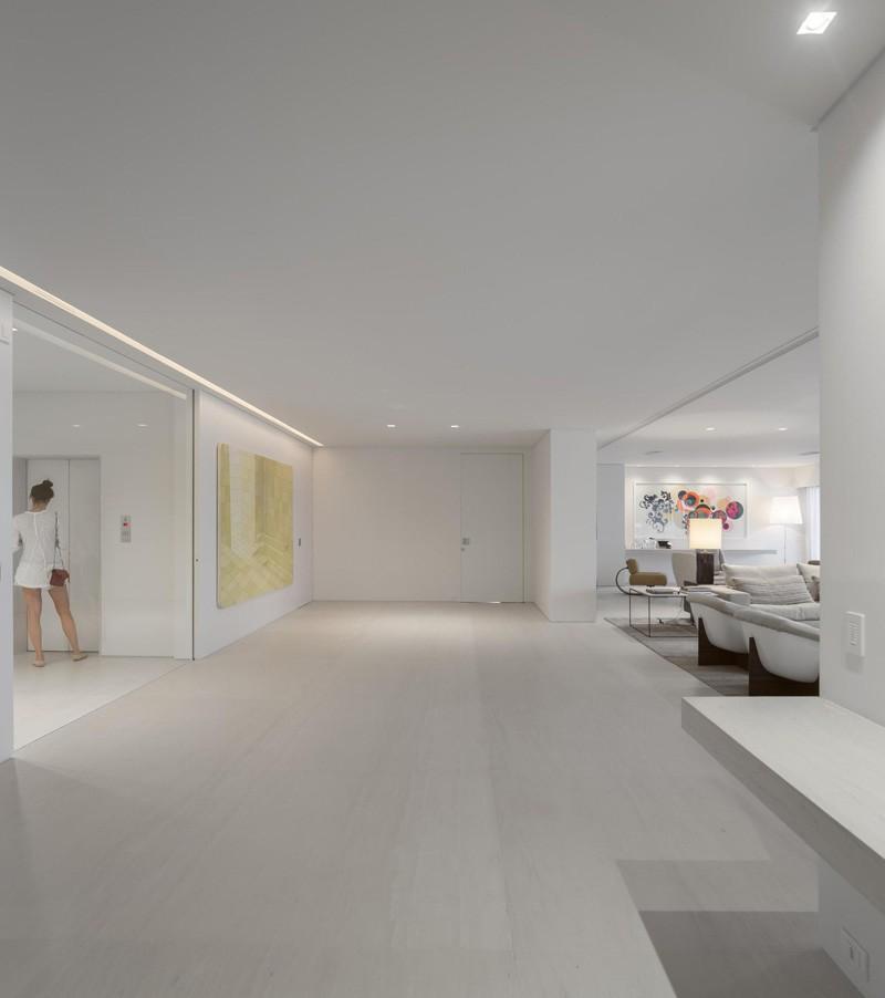 Rio-apartment-hallway-gallery2