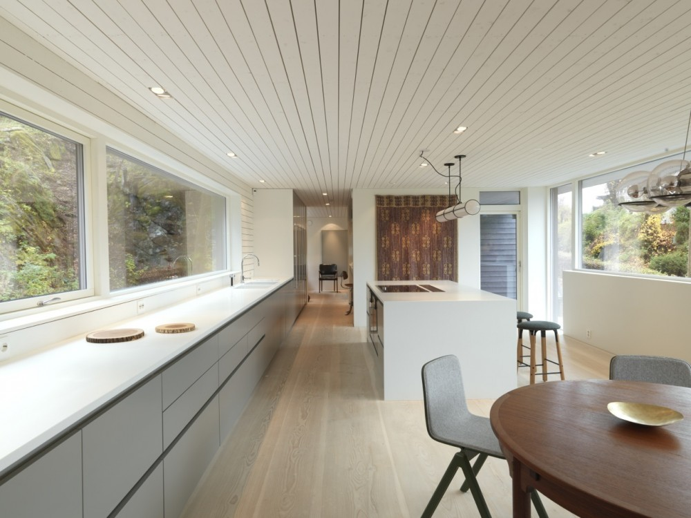 Saunders-residence-kitchen
