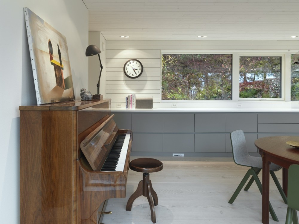 Saunders-residence-piano