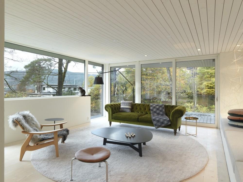 Saunders-residence-sitting-area2