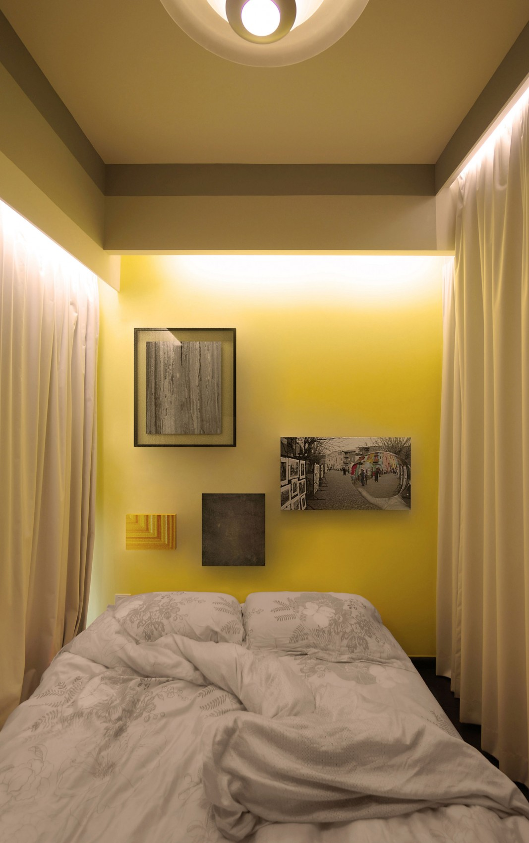 Tiny-apartment-Singapore-bedroom3-at-night