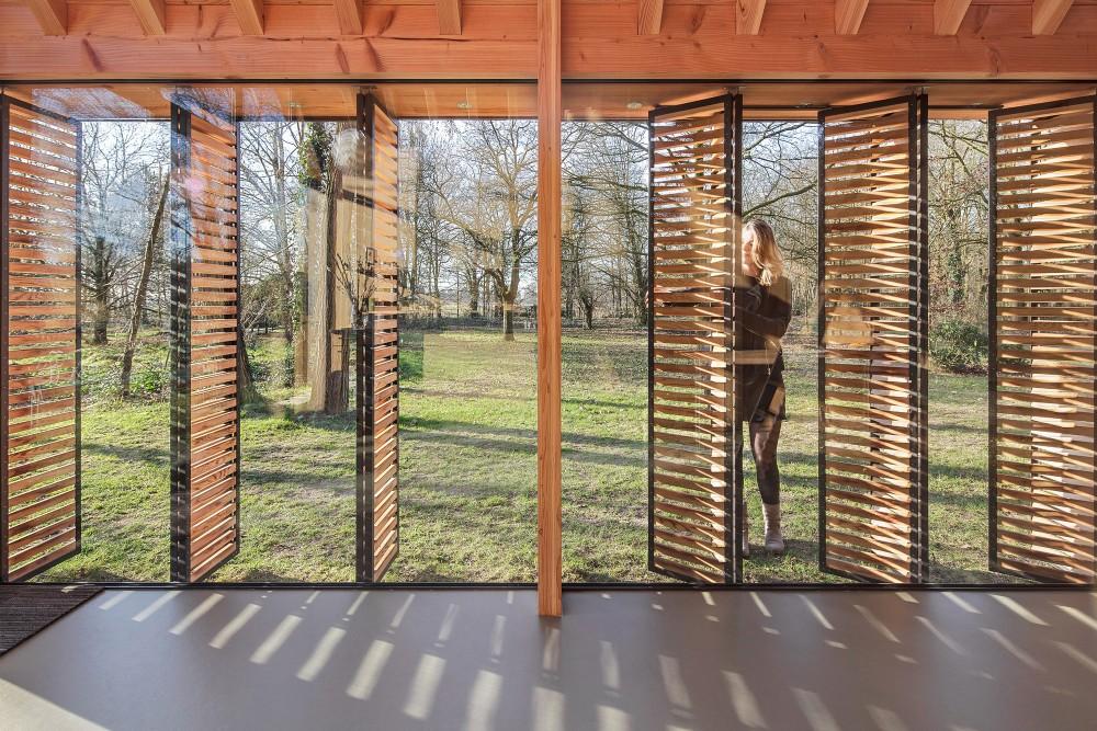Utrecht-recreation-home-opening-shutters