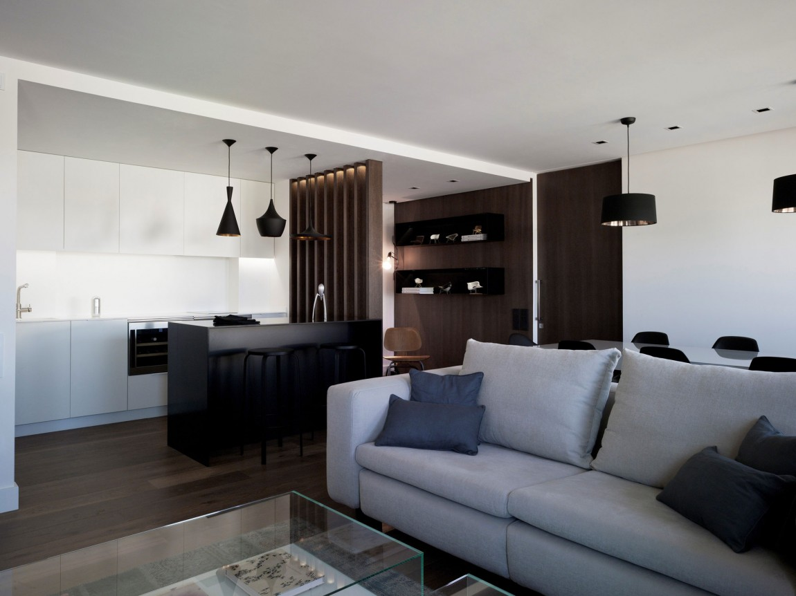 Sobriety With A Touch Of Luxury In A Modern Spanish Home