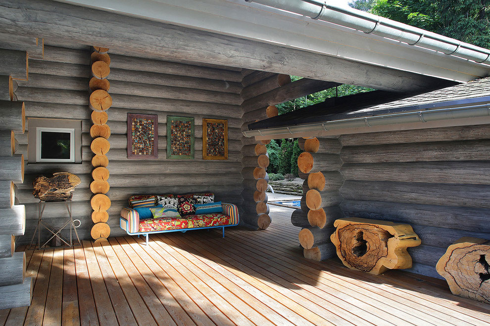 Wooden-Cottage-outdoor-lounge-area