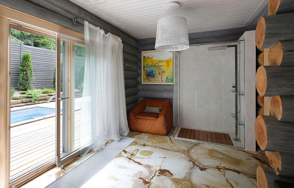 Wooden-Cottage-shower1